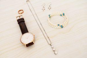 ダイソー 腕時計 精度 アラーム 売り切れ